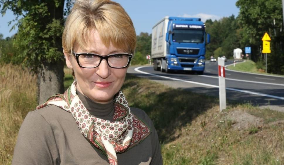 """Film do artykułu: Drogowcy poprawią """"zakręt śmierci"""" na Raszówce koło Mniowa. Będzie bezpieczniej?"""