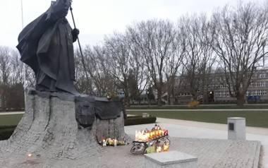 Setna rocznica urodzin Karola Wojtyły mocno podzieliła radnych Szczecina