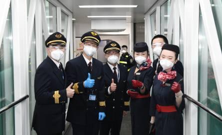 Koronawirus. Chiny: Życie w Wuhan wraca do normy. Po 76 dniach blokada miasta została zniesiona. Został smutek i obawy