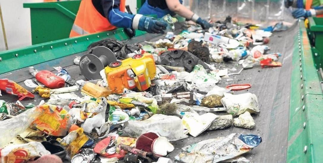 Wraca temat odoru z Regionalnego Zakładu Odzysku Odpadów w Sianowie. Mieszkańcy idą do sądu