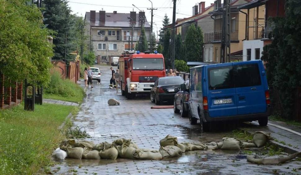 Film do artykułu: Ulewa nad Starachowicami. Połamane konary, zalane piwnice