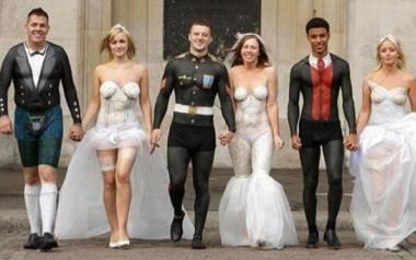 Każda panna młoda chce w dniu ślubu wyglądać najpiękniej na świecie. Wiele pań wymyśla dla siebie niezwykłą suknię. Czasem to przynosi znakomite efekty,