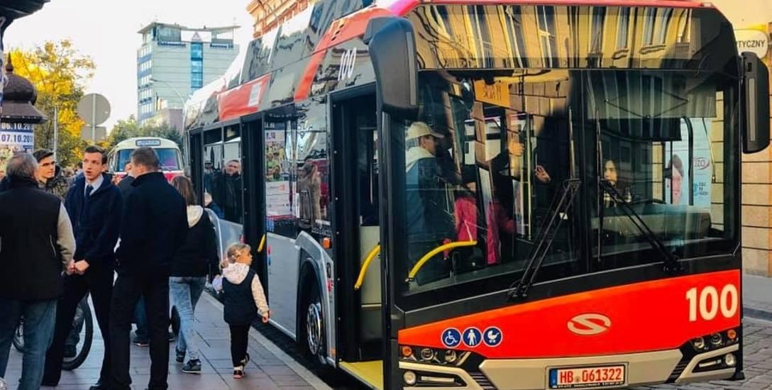 Komplet 10 autobusów elektrycznych jest już w Rzeszowie. Oznaczono je numerami bocznymi zaczynającymi się od 100.