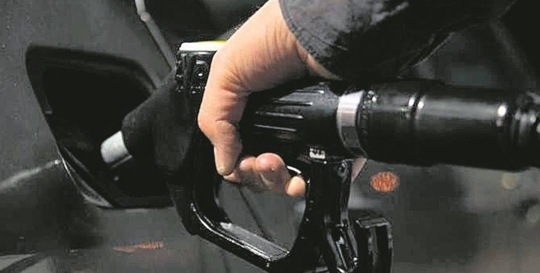 Prokuratura nie wie jeszcze jak dużo chrzczonego paliwa trafiło na rynek i było sprzedawane przez stacje benzynowe