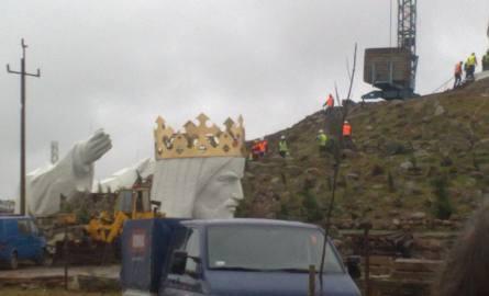 Czy dziś uda się postawić pomnik Chrystusa Króla? (informacje na bieżąco ze Świebodzina, wideo, zdjęcia)
