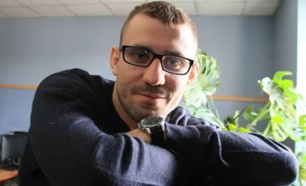 Bartłomiej Kopera, mistrz MMA nie wygląda jak typowy mistrz pięści, studiował logistykę