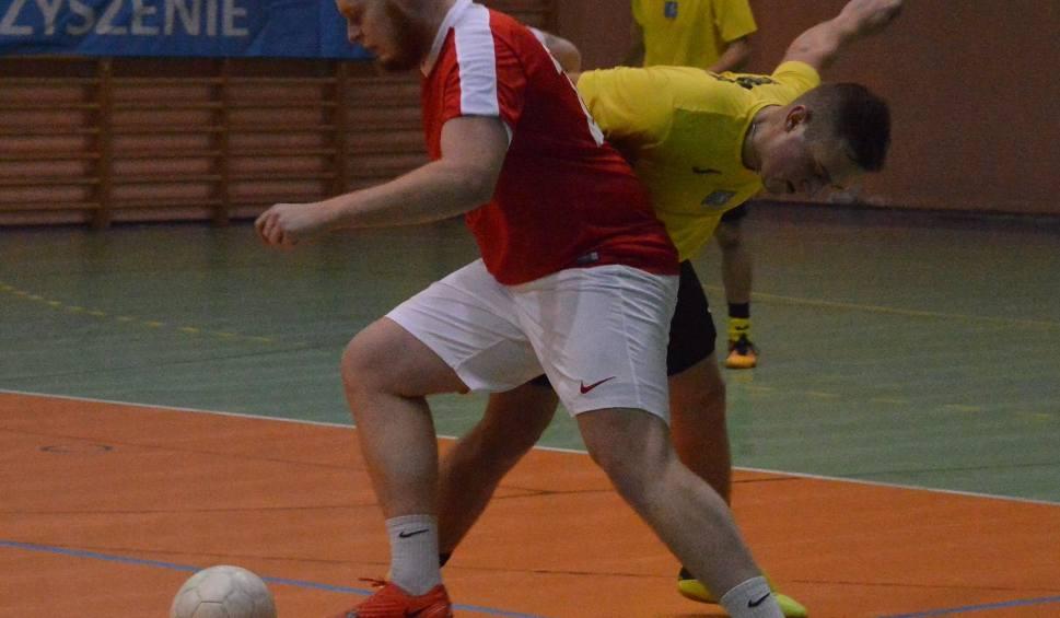 Film do artykułu: Proszowicka liga futsalu. Auto-Art minimalnie lepszy w meczu na szczycie