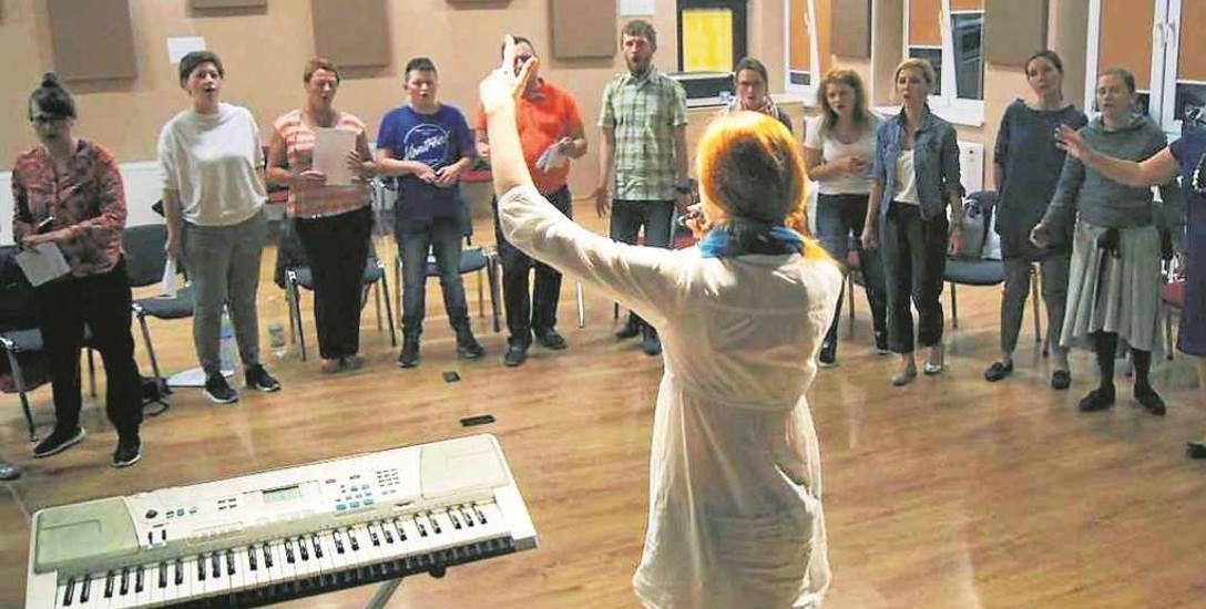 Jeśli poznasz swój głos, poznasz i siebie - mówi Ela Ekiert, dyrygentka