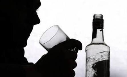 Mysłowice: Niepełnoletni z alkoholem na ulicy