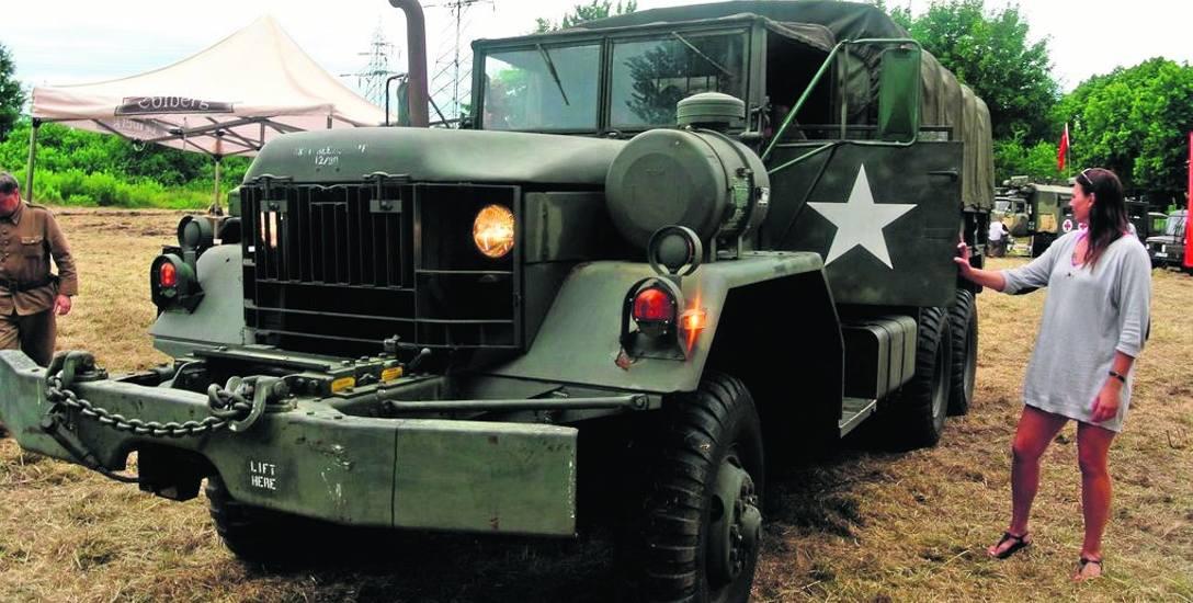 W Podborsku zobaczymy m.in. potężne, amerykańskie ciężarówki wojskowe. Zabytkowych pojazdów ma być w tym roku nawet 30