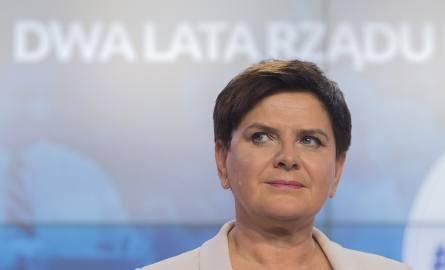 Panią premier skazywano na pożarcie, ale radzi sobie nadspodziewanie dobrze w układzie, w którym musi lawirować pomiędzy prezesem Jarosławem Kaczyńskim