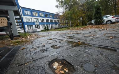 Nie wiadomo, czy filia UM przy Wojska Polskiego jest na terenie skażonym. Wiadomo, że ciężko tu dotrzeć.