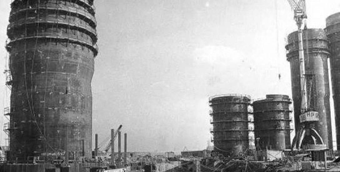 Budowa wielkich pieców w Hucie Katowice. Decyzja o budowie zapadła w 1972 roku