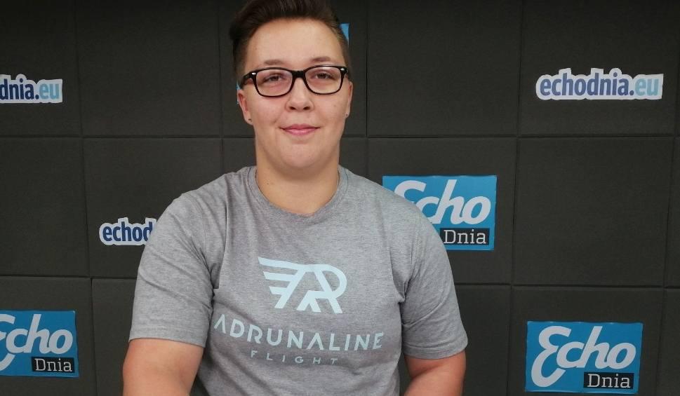Film do artykułu: Treningi z gwiazdami procentują. Katarzyna Furmanek z KKL Kielce bardzo dobrze zaczęła sezon. Jest też pierwszy sponsor [WIDEO]