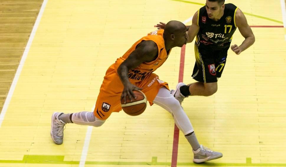 Film do artykułu: I liga koszykarzy. Sokół upolował R8 Basket. Krakowianie przegrali ważny mecz