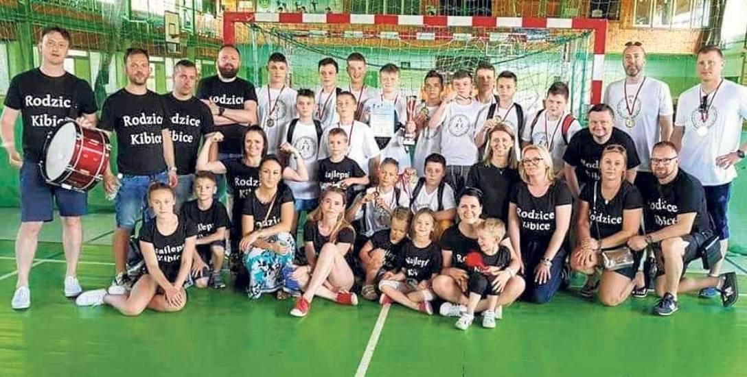 Chłopcy z SP 18 Koszalin są wicemistrzami Polski klas 6 w piłce ręcznej
