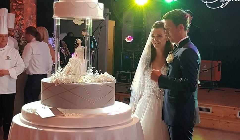Film do artykułu: Na weselu Agnieszki Radwańskiej najwytrwalsi bawili się do 7 rano