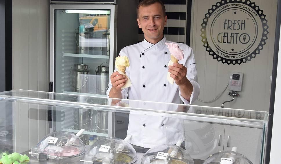 Film do artykułu: Nowa lodziarnia w Końskich. Można tu zjeść kilkadziesiąt smaków robionych na miejscu przysmaków