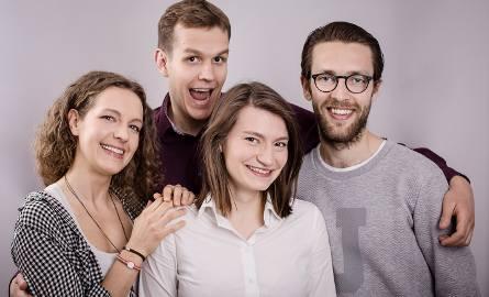 Ludzie, którzy stworzyli Smogathon. Maciej Ryś po lewej