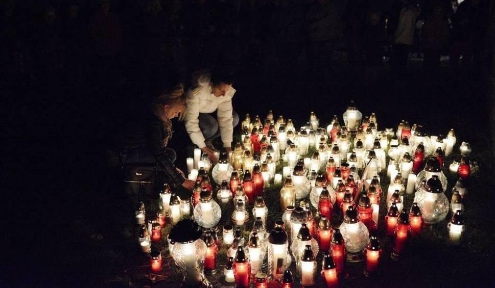 Film do artykułu: Pożar kamienicy w Lęborku. Zmarła 16-letnia dziewczyna poszkodowana w pożarze kamienicy na ul. Pileckiego