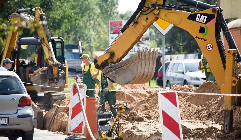 Film do artykułu: Remont drogi na ul. Wiewiórczej. Są utrudnienia w ruchu (wideo)