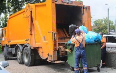 W 2018 r. będziemy musieli posiadać pojemniki na śmieci zmieszane, zbierane selektywnie i bioodpady