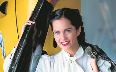 Anna Prus urodziła się w 1981 r. w Zielonej Górze. Aktorka filmowa i teatralna. Absolwentka animacji kultury i stosunków międzynarodowych. Skończyła