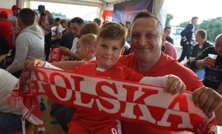 Kilkuset kibiców zgromadziło się w niedzielny wieczór w gorzowskiej strefie kibica, by dopingować polską jedenastkę w starciu z reprezentacją Kolumbii.