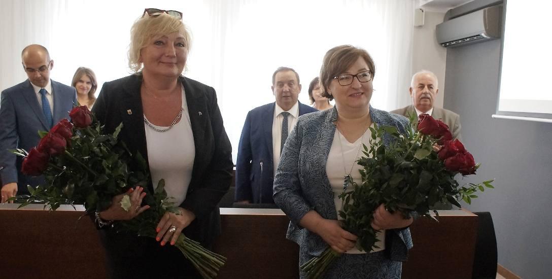 Starosta Wiesława Pawłowska i skarbnik Beata Zimon-Plaskota chwilę po uchwaleniu absolutorium