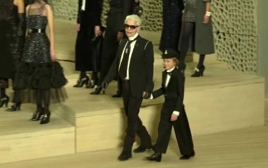 Karl Lagerfeld powrócił do korzeni. Pokaz Chanel w Hamburgu