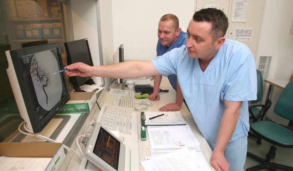 Film do artykułu: Trombektomia - nowatorska metoda leczenia udaru mózgu w kieleckim szpitalu. Na czym polega?