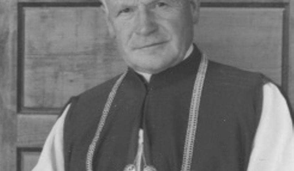 Film do artykułu: Radom. Zmarł ksiądz Jan Stępień, najstarszy kapłan diecezji radomskiej. Miał 98 lat