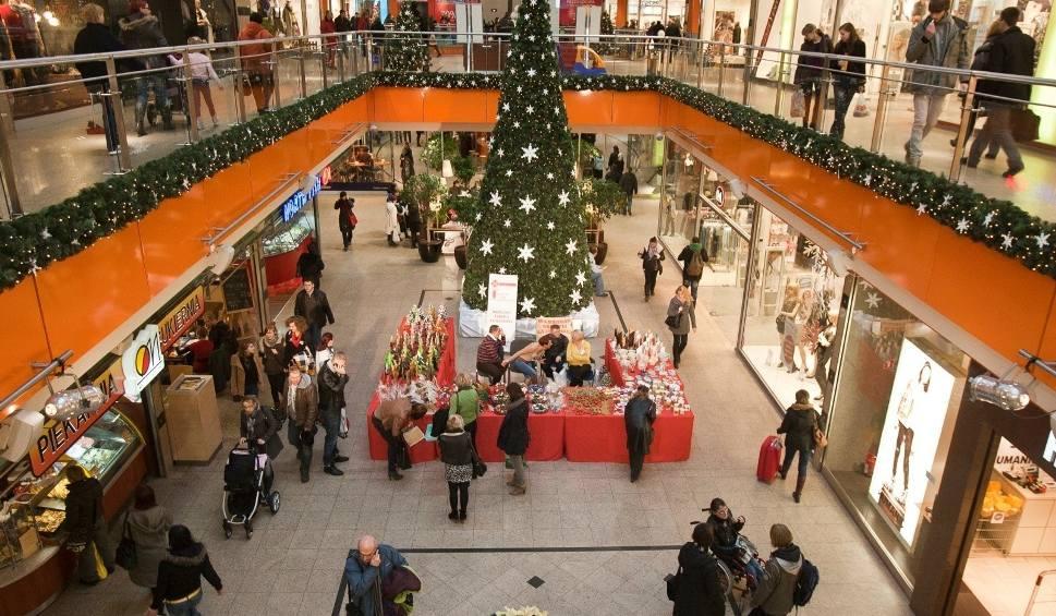 Film do artykułu: Niedziele handlowe GRUDZIEŃ 2019. Przed Bożym Narodzeniem jeszcze dwie niedziele handlowe, a po świętach - kolejna