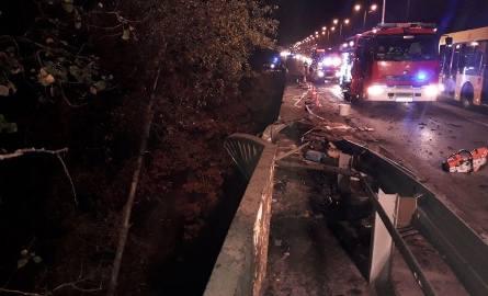 Wypadek w Katowicach na DK86. TIR spadł z wiaduktu