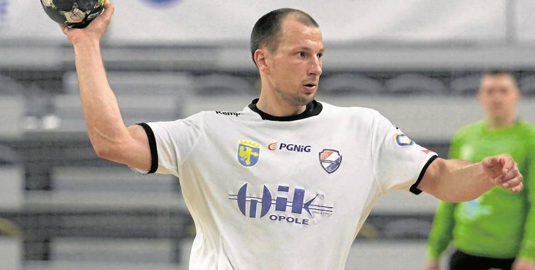 Antoni Łangowski doznał kontuzji nogi 11 listopada, w wyjazdowym meczu PGNiG Superligi z Chrobrym Głogów. Od tego czasu nie wrócił na boisko, a jego