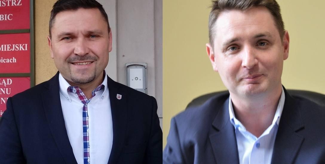Wicestarosta Robert Włodek (z prawej) zarzuca burmistrzowi Mariuszowi Olejniczakowi,  że chce blokować sprzedaż działek powiatu, a sam dąży do sprzedaży