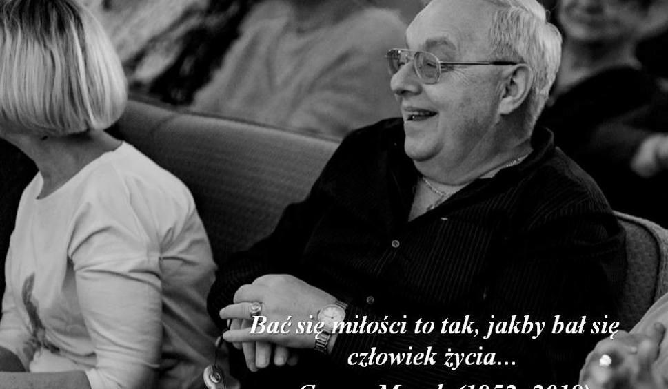 """Film do artykułu: Nie żyje Cezary Mocek, uczestnik programu """"Sanatorium miłości"""". Zmarł w wieku 67 lat"""