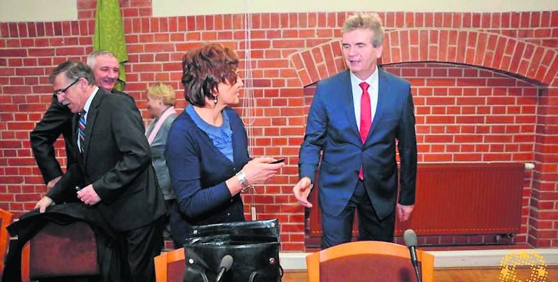 Od dnia ślubowania burmistrza Jacka Graczyka radna Barbara Podruczna-Mocarska, która startowała z jego komitetu wyborczego, zmieniła zdanie. Teraz jest