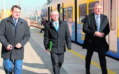 Prezydent Dąbrowy Górniczej Marcin Bazylak, dyrektor częstochowskiego zakładu spółki PKP PLK Helmut Klabis i wiceprezydent miasta Damian Rutkowski przyjechali