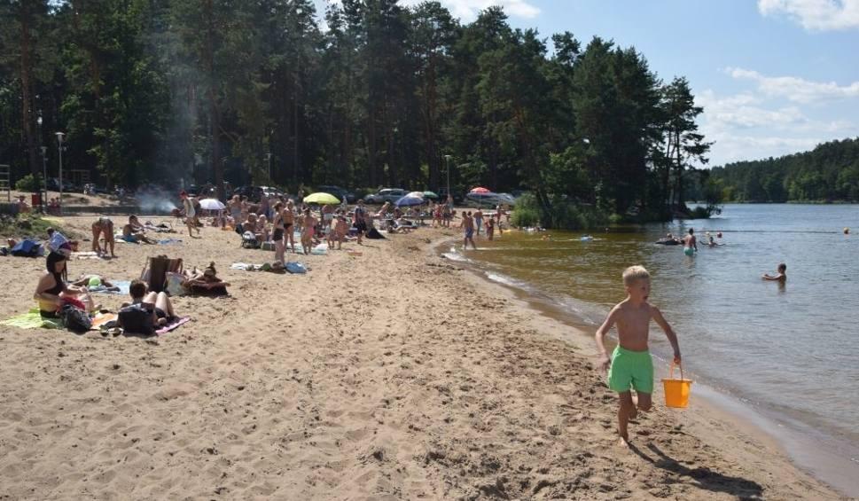 Film do artykułu: Gorący koniec lata najlepiej spędzić nad wodą. Jaka sytuacja na kąpieliskach w powiecie skarżyskim?