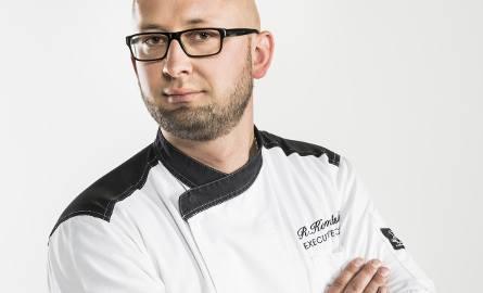 Lider w kategorii Kucharz Roku:Roman Kosmalski Swoją pasję do gotowania zaczął przekuwać w profesję w wieku 21 lat, kiedy  wyjechał do Wielkiej Brytanii.Już