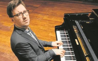 Krzysztof Dys ukończył na Akademii Muzycznej fortepian klasyczny, ale dziś gra i uczy jazzu