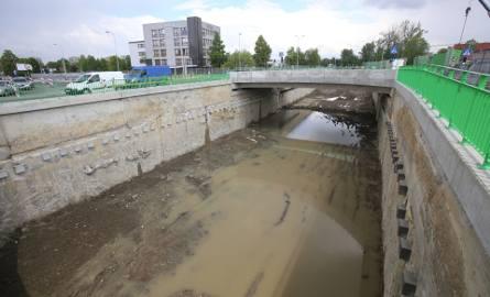 Tunel pod DK81 powstaje w ramach przebudowy węzła Piotrowice na skrzyżowaniu ulic Kościuszki i Armii Krajowej.Zobacz kolejne zdjęcia. Przesuwaj zdjęcia