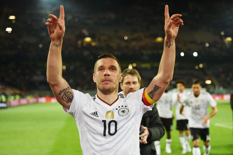 Wielkie pożegnanie Podolskiego. Co za gol na koniec! [WIDEO]