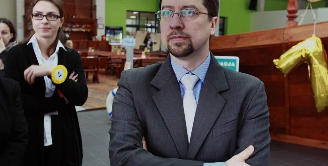 Bartosz Rola, prezes Zakładu Wodociągów i Kanalizacji w Łodzi podpisał kontrakt menedżerski  jako jeden z pierwszych. Biuro prasowe magistratu poinformowało