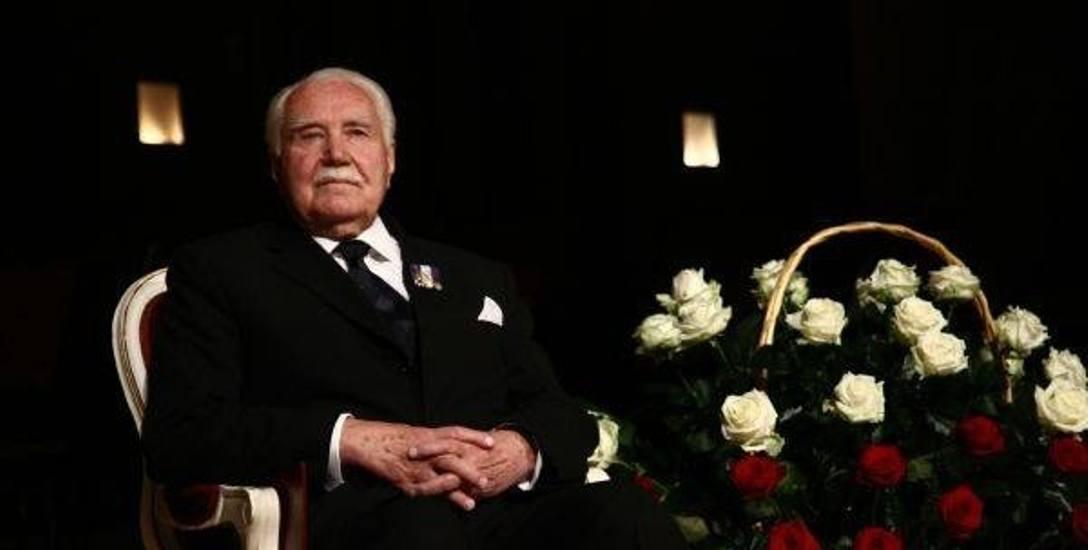 2 grudnia 2009 roku. Ryszard Kaczorowski świętował w Białymstoku 90. rocznicę urodzin. Dwie moje najcenniejsze pamiątki to: ziemia spod białostockich