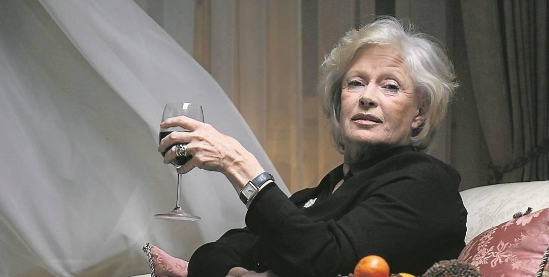 """Beata Tyszkiewicz zapadła widzom w pamięć przede wszystkim w kostiumowych rolach w takich filmach jak """"Lalka"""", choć grywała również współczesne postacie,"""