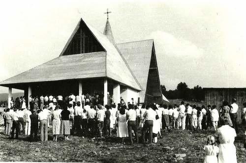 Plac pod budowę tego kościoła poświęcono 22 lipca 1984 r., w komunistyczne święto manifestu Polskiego Komitetu Wyzwolenia Narodowego (PKWN).