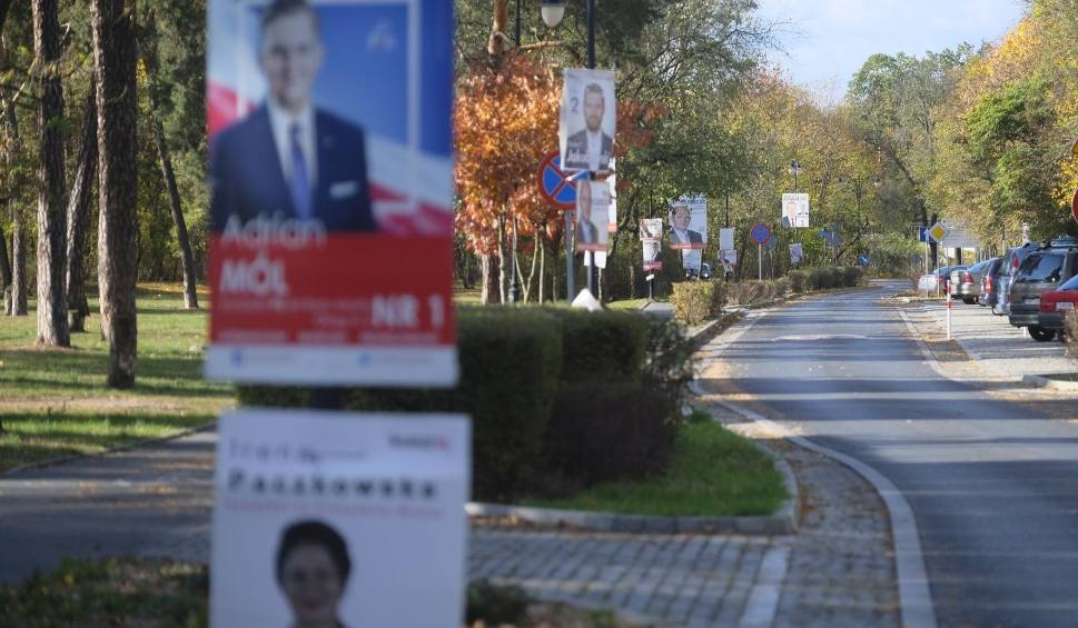 Film do artykułu: Dyrekcja Miejskiego Zarządu Dróg chce, żeby do końca tygodnia wyborcze plakaty zniknęły z pasa drogowego