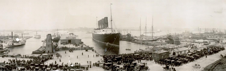 """""""Lusitania"""" po zdobyciu Błękitnej Wstęgi Atlantyku w 1907 roku."""